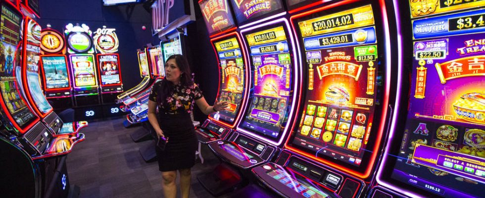 Online Blackjack Can Help You Master The Game